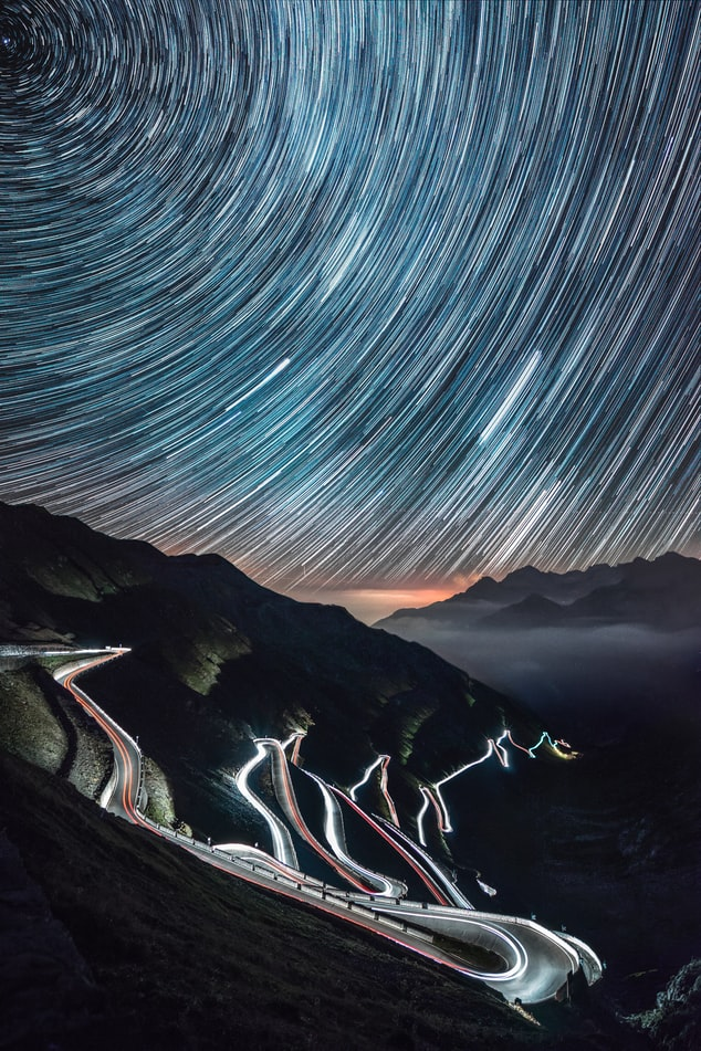 Звёздное небо и космос в картинках - Страница 12 Photo-1503410759647-41040b696833?ixid=MnwxMjA3fDB8MHxwaG90by1wYWdlfHx8fGVufDB8fHx8&ixlib=rb-1.2