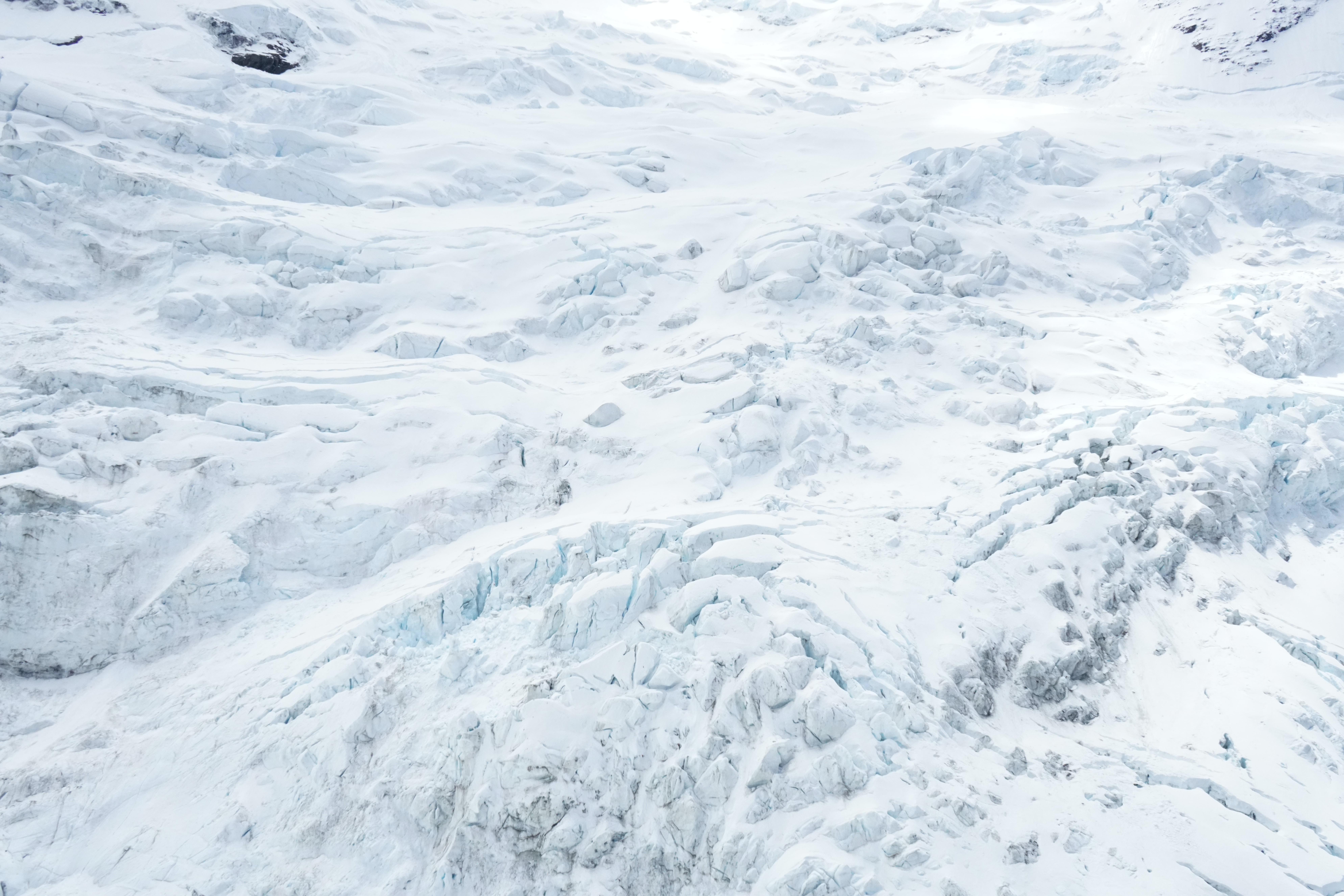 snow field photograph