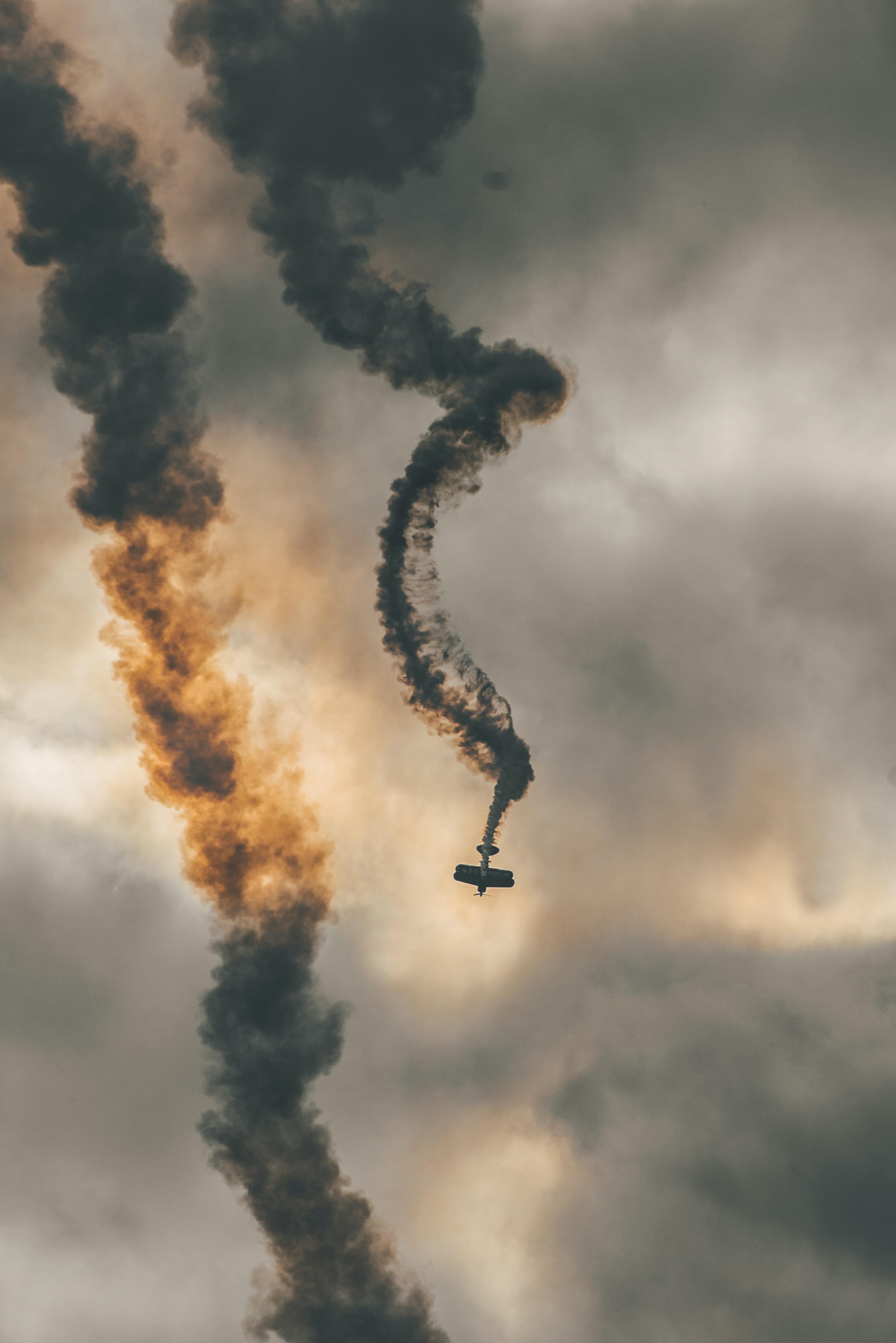 crashing plane during daytime