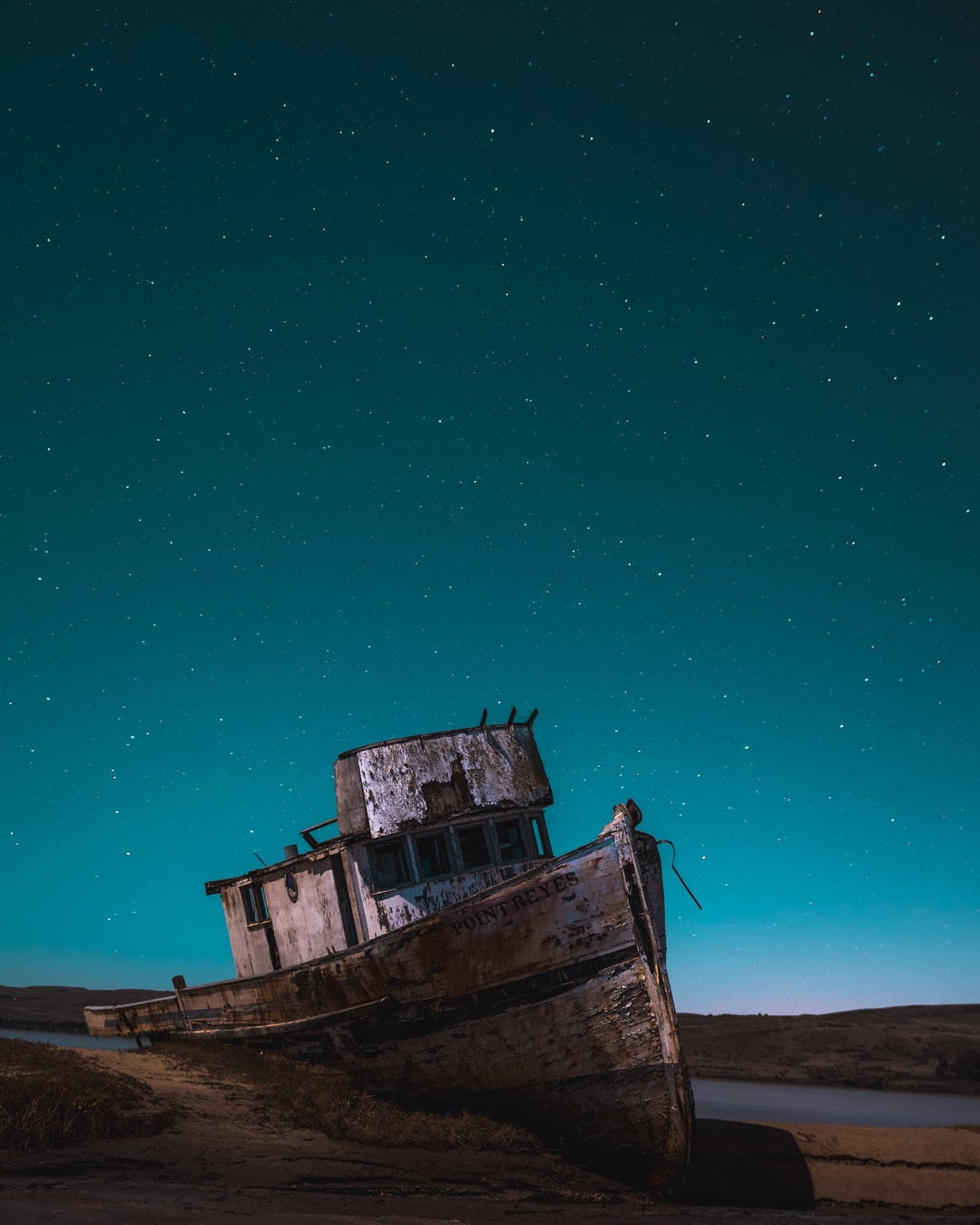 The Point Reyes shipwreck under a clear night sky.