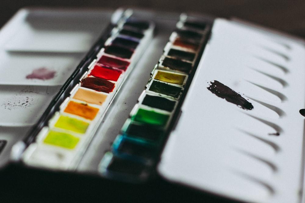 closeup photo of paint palette