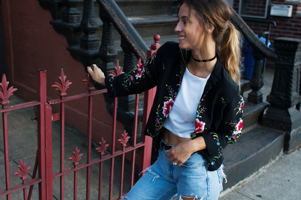 women's black and red floral blazer