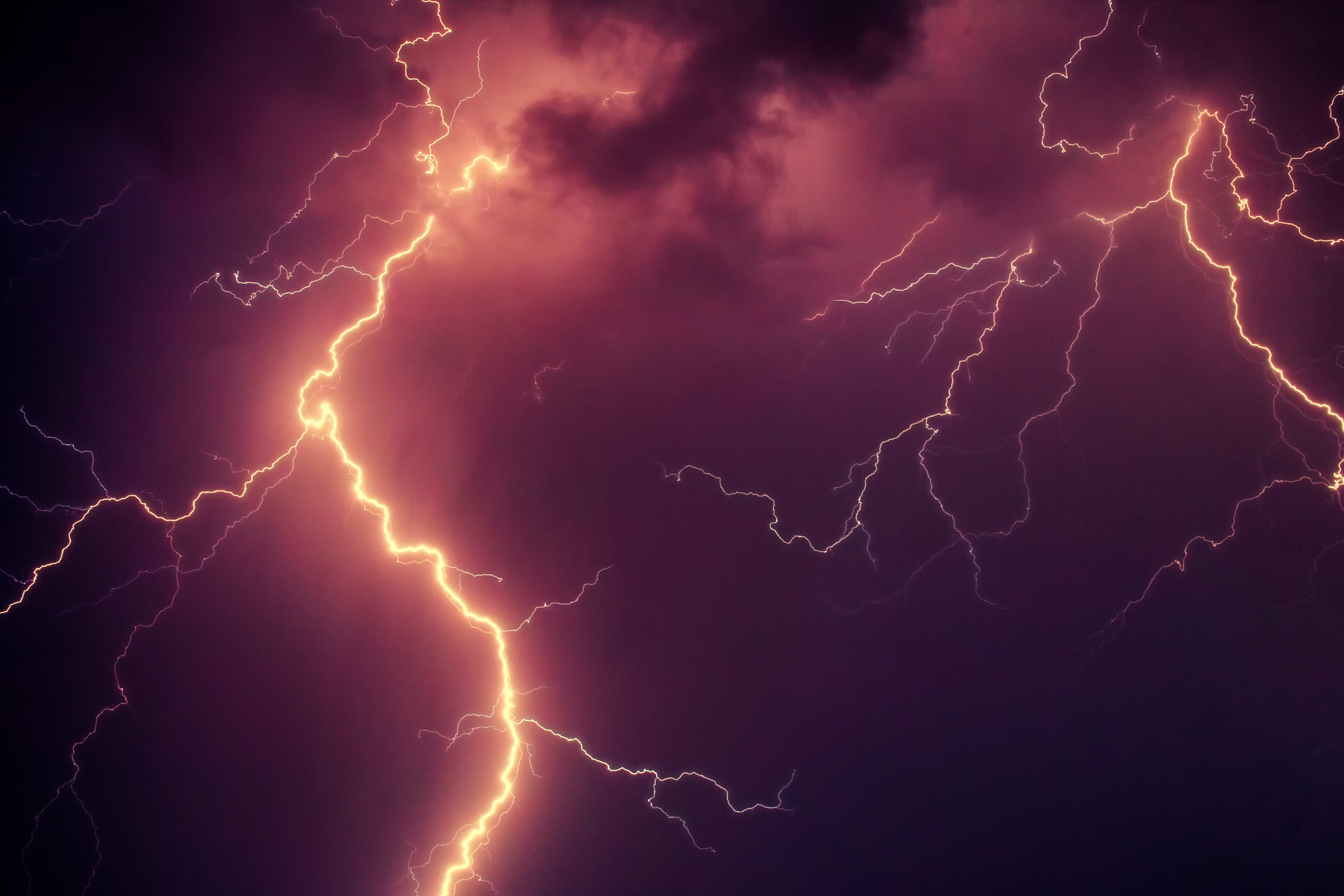 time lapse photo of lightning