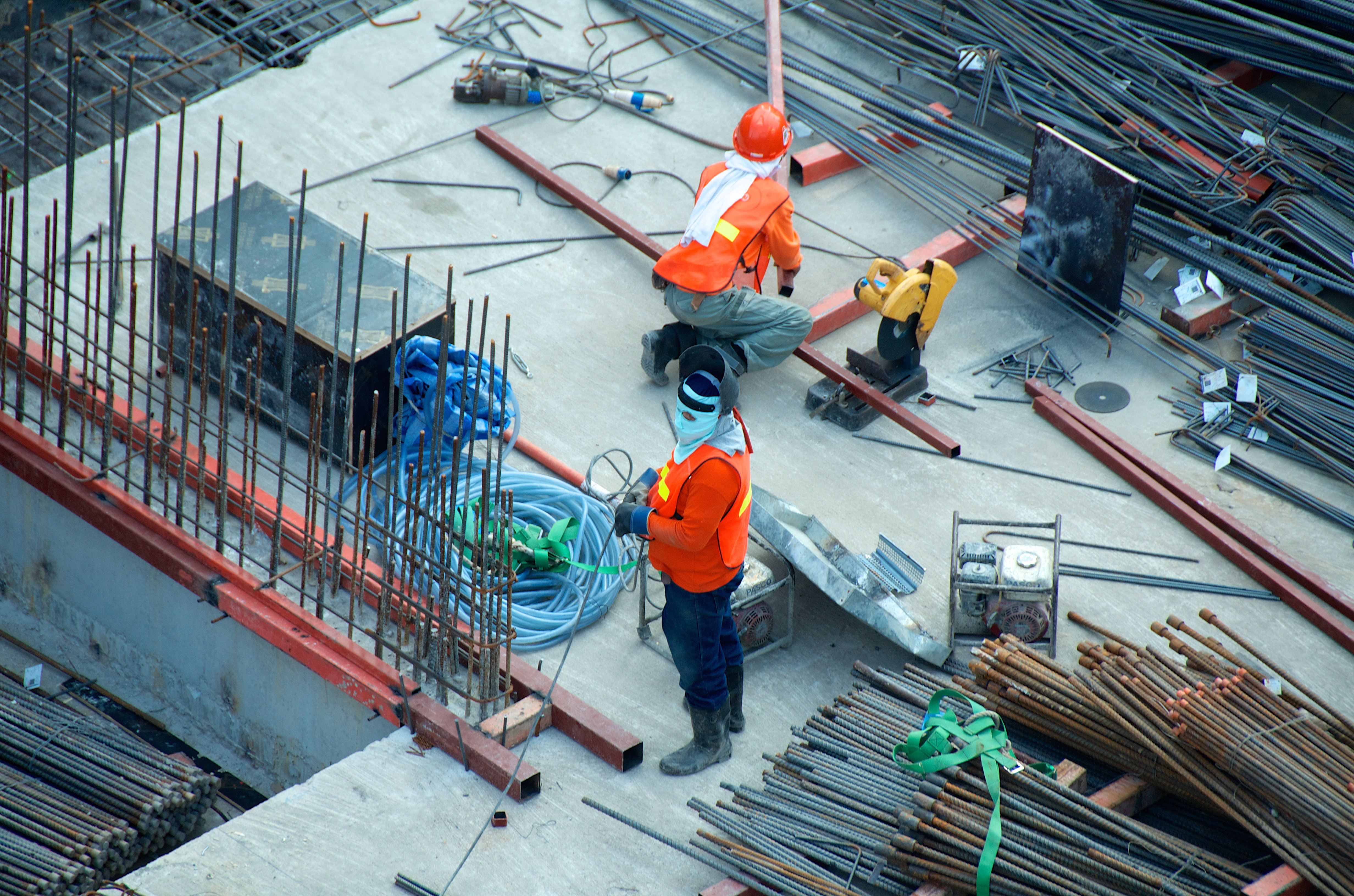 Attracting Workers During Labor Shortage