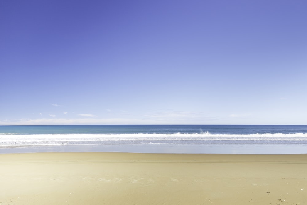 photo of sea waves