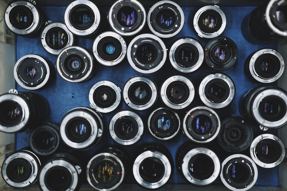 assorted-color camera lens lot