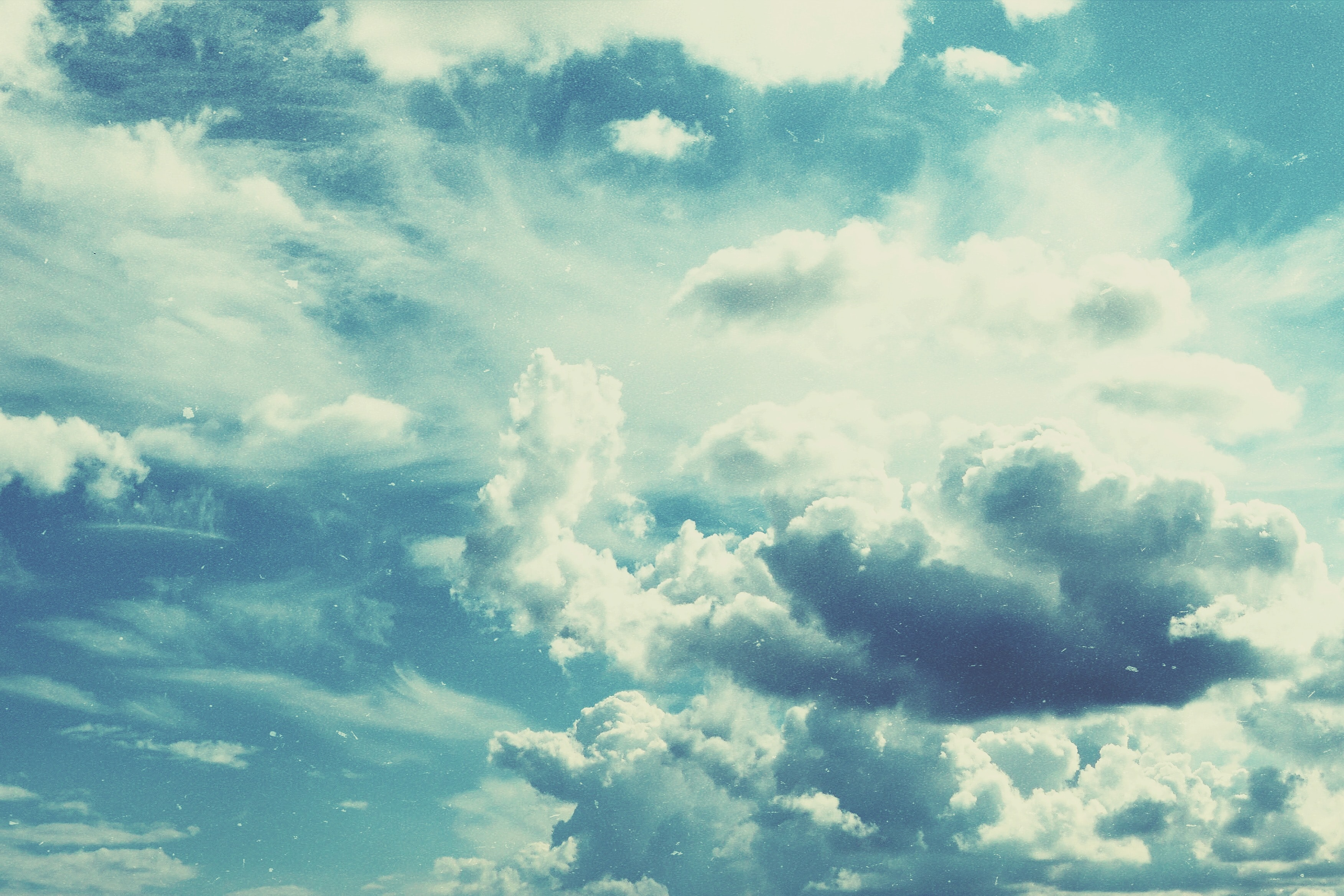cloudy sky during daytime