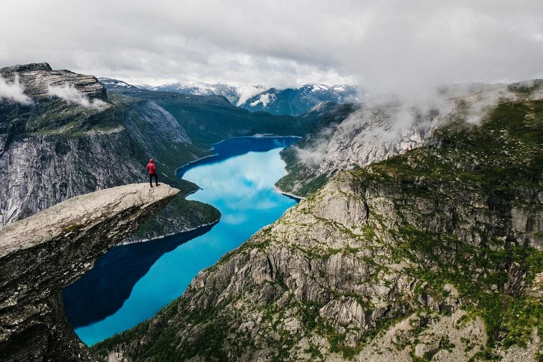 Rutas entre fiordos y paisajes espectaculares en Stavanger, Noruega