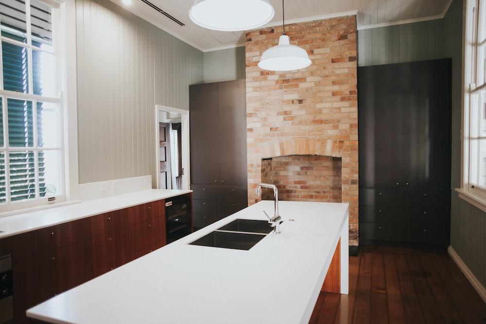 white kitchen sink