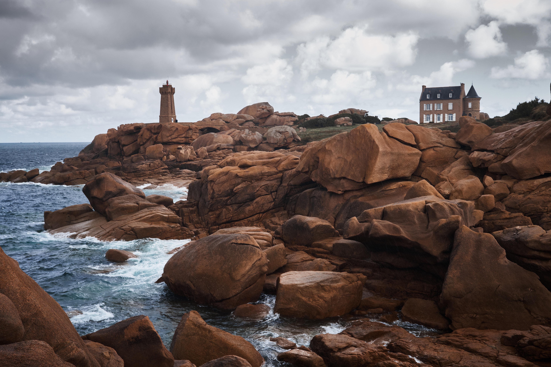 lighthouse on rocky mountain