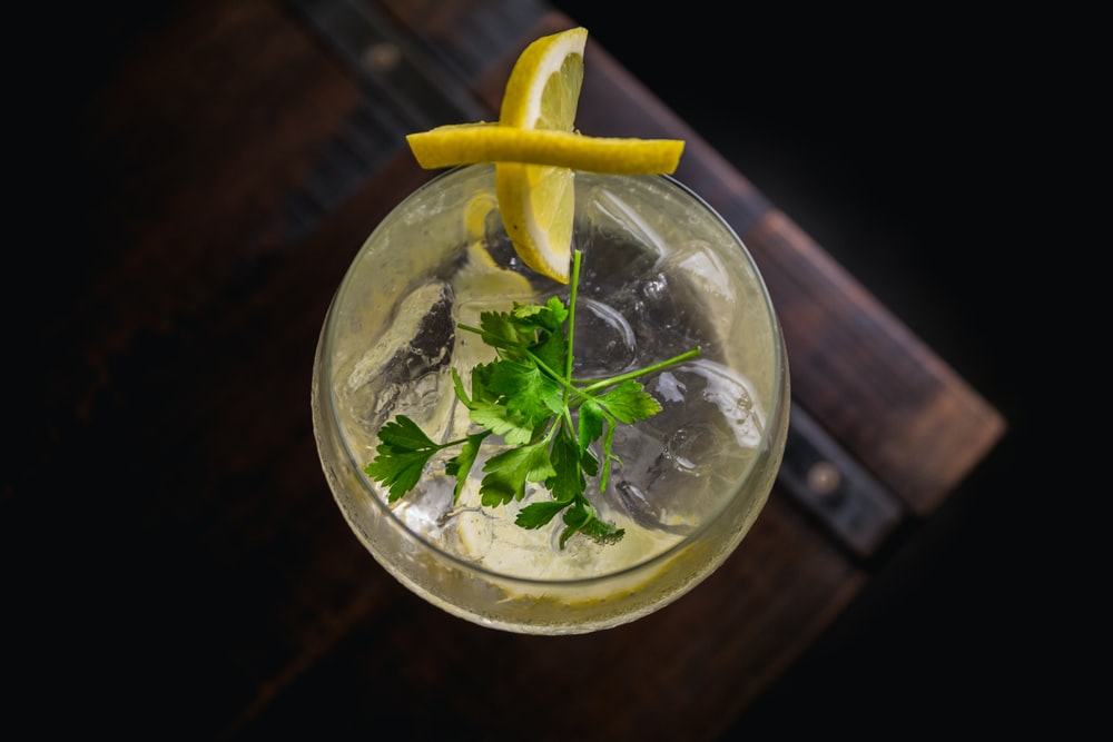 clear wine glass with lemon decor