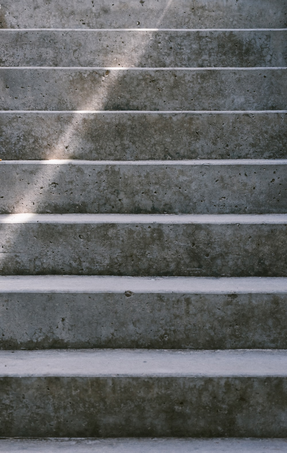 gray concrete stair during day time