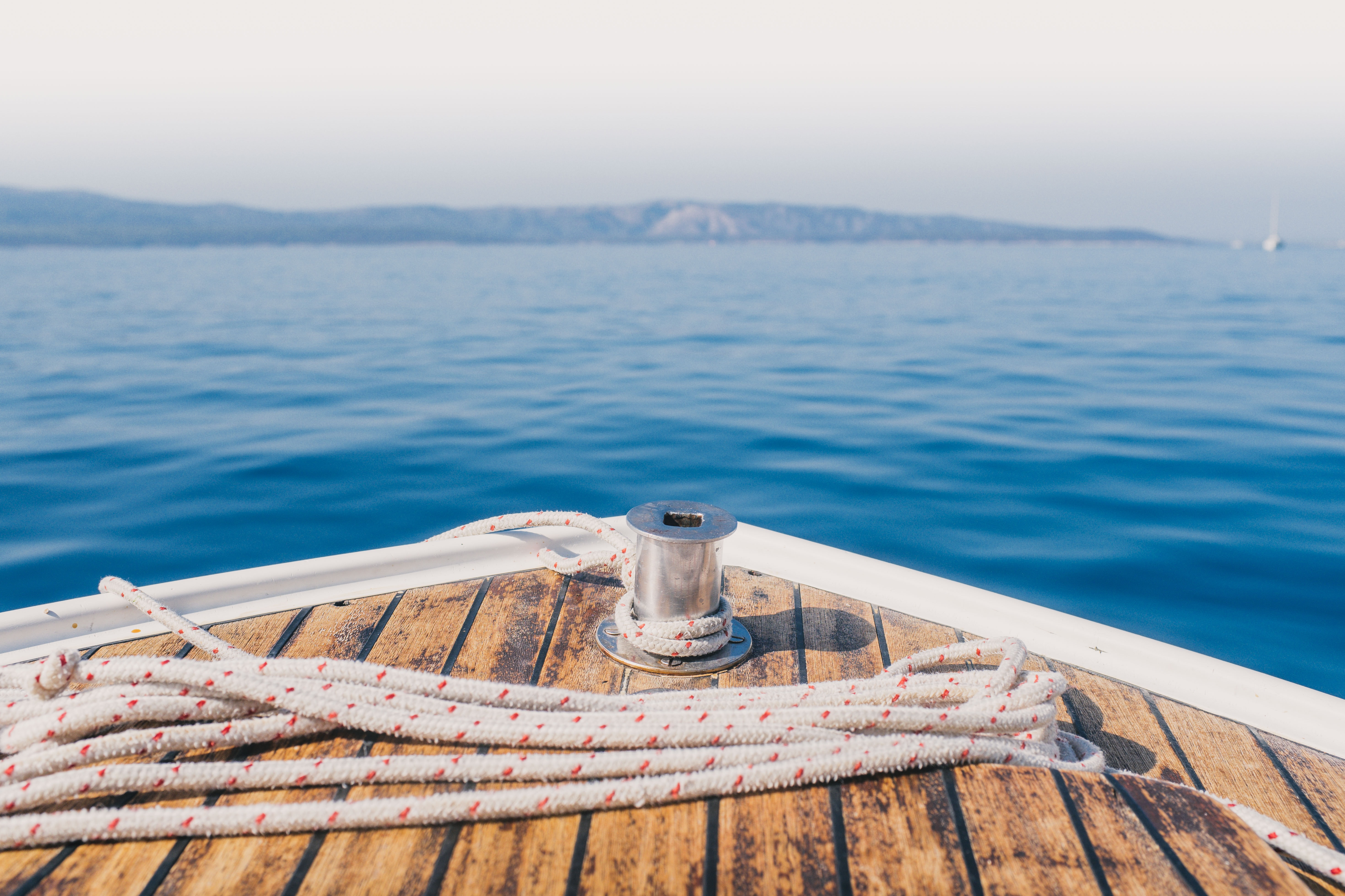 shallow focus photography of road on boat