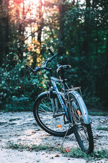 Courier Bike Pictures Download Free Images On Unsplash