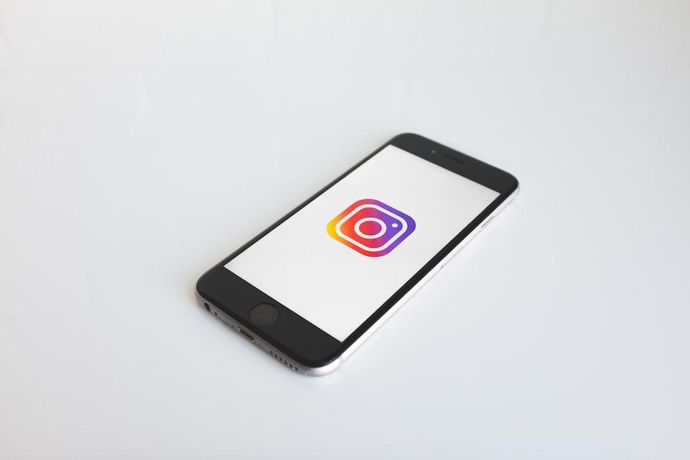 Instagram logo in space gray iPhone 6