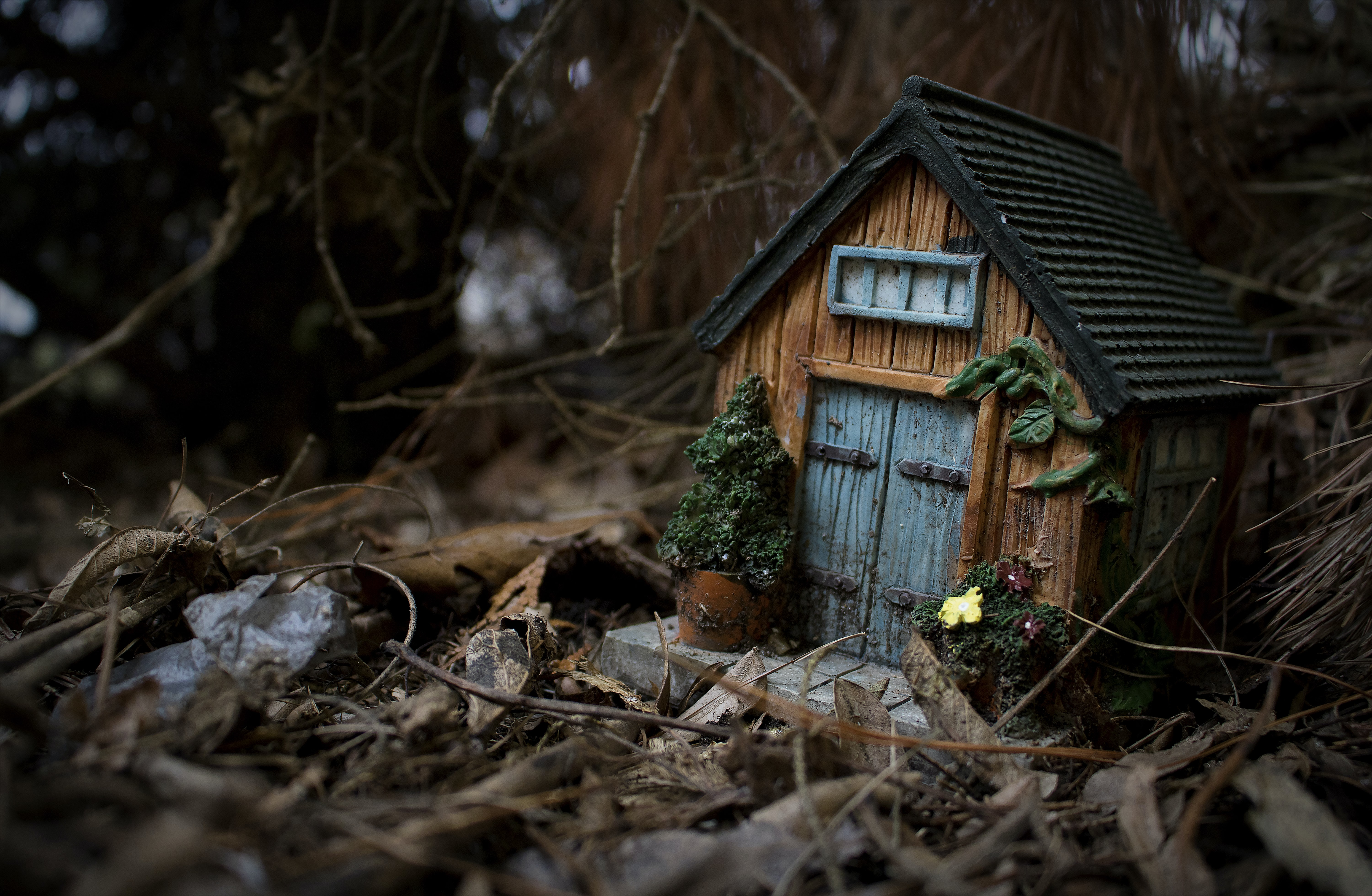 brown wooden house toy