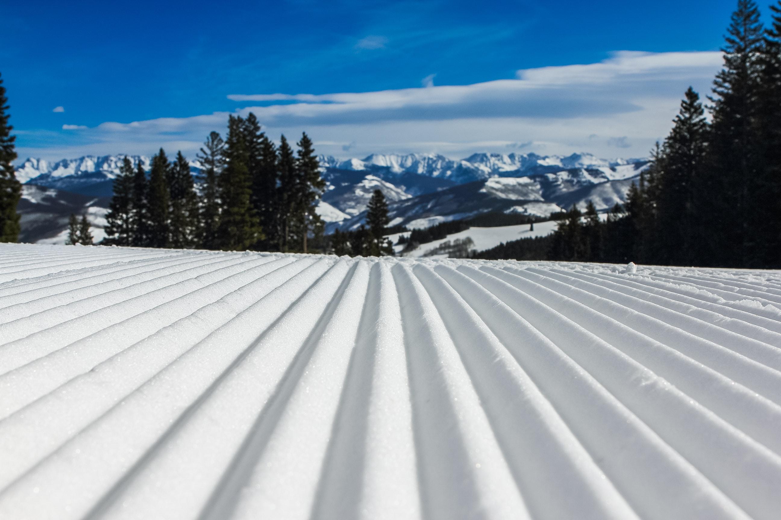 white corrugated metal sheet at daytime