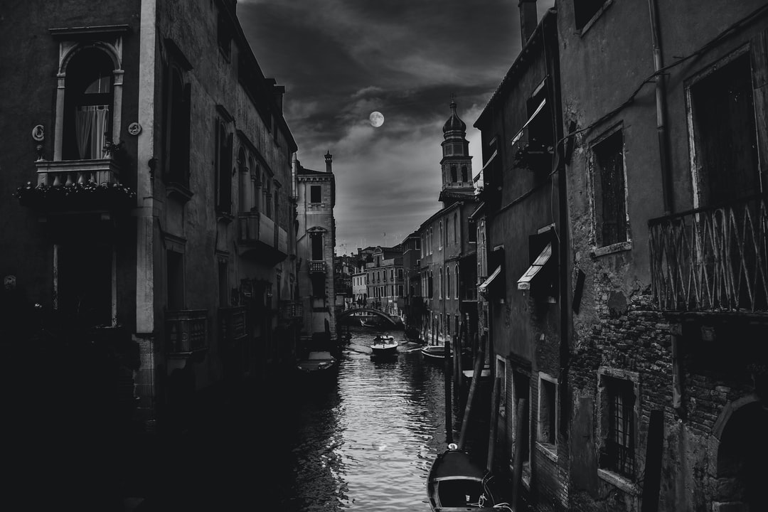 Midnight. We were on the way back from Piazza San Marco. As we zig zagged through the endless maze of bridges that is Venice, I looked across and everything lined up. The moon was aligned right at the centre of the canal. Just as I pressed the shutter, a speedboat buzzed down the lane. I hesitated for a moment before pushing down on the button.