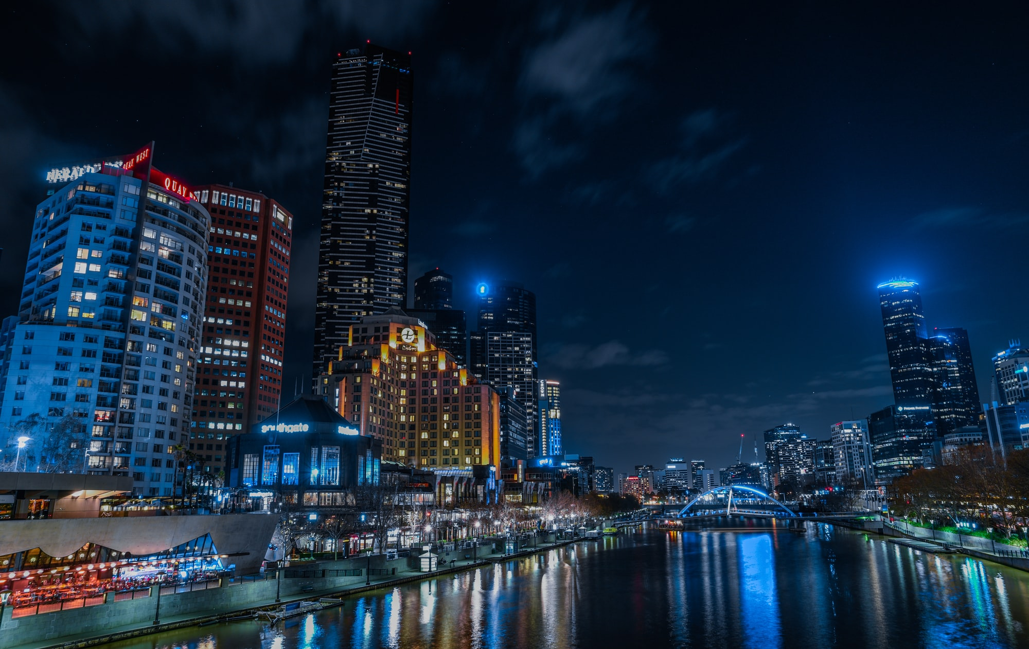 I was walking across the bridge in Melbourne CBD when I saw those amazing city lights … I really wanted to represent the way I see the happiness in Melbourne and the beauty of it during the night.