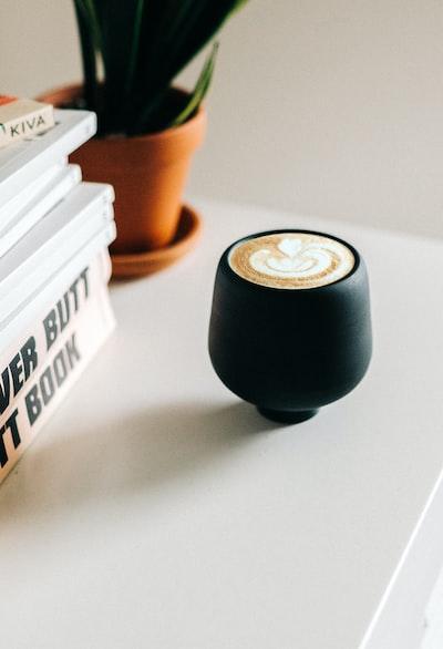 4135. Kávé