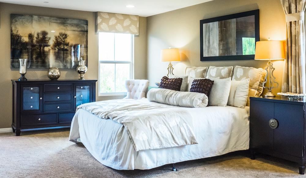 white comforter set