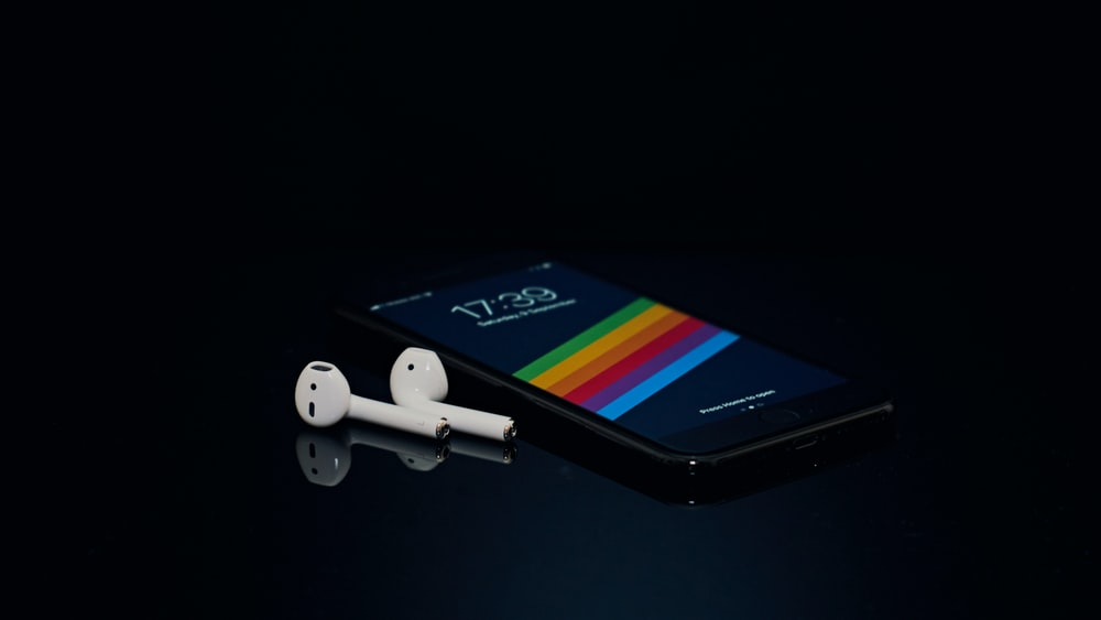 350 Apple Airpods Pictures Download Free Images On Unsplash