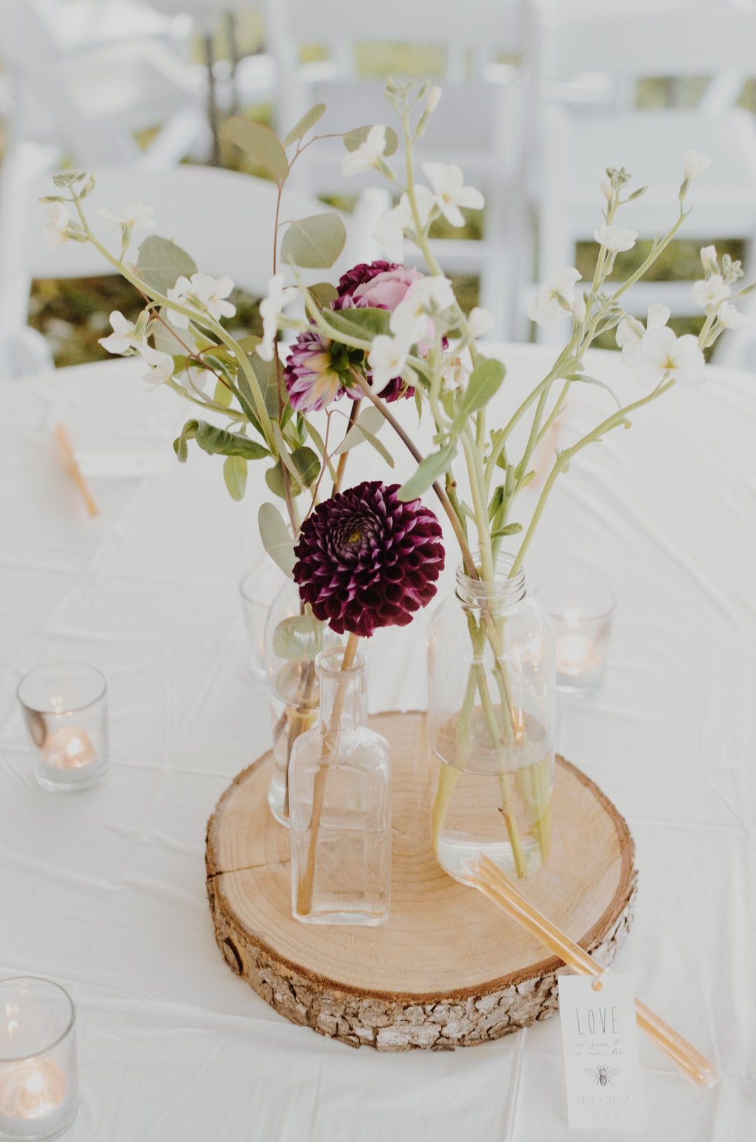 wedding reception centerpiece photo by kelly sikkema kellysikkema on unsplash. Black Bedroom Furniture Sets. Home Design Ideas