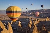 thirteen air balloons