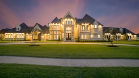 Luxury House Listings Grow as Wealthy Homeowners Flee High-tax States
