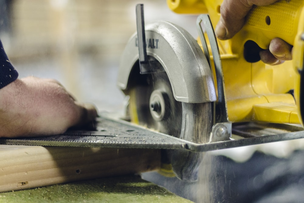 turned-on circular saw