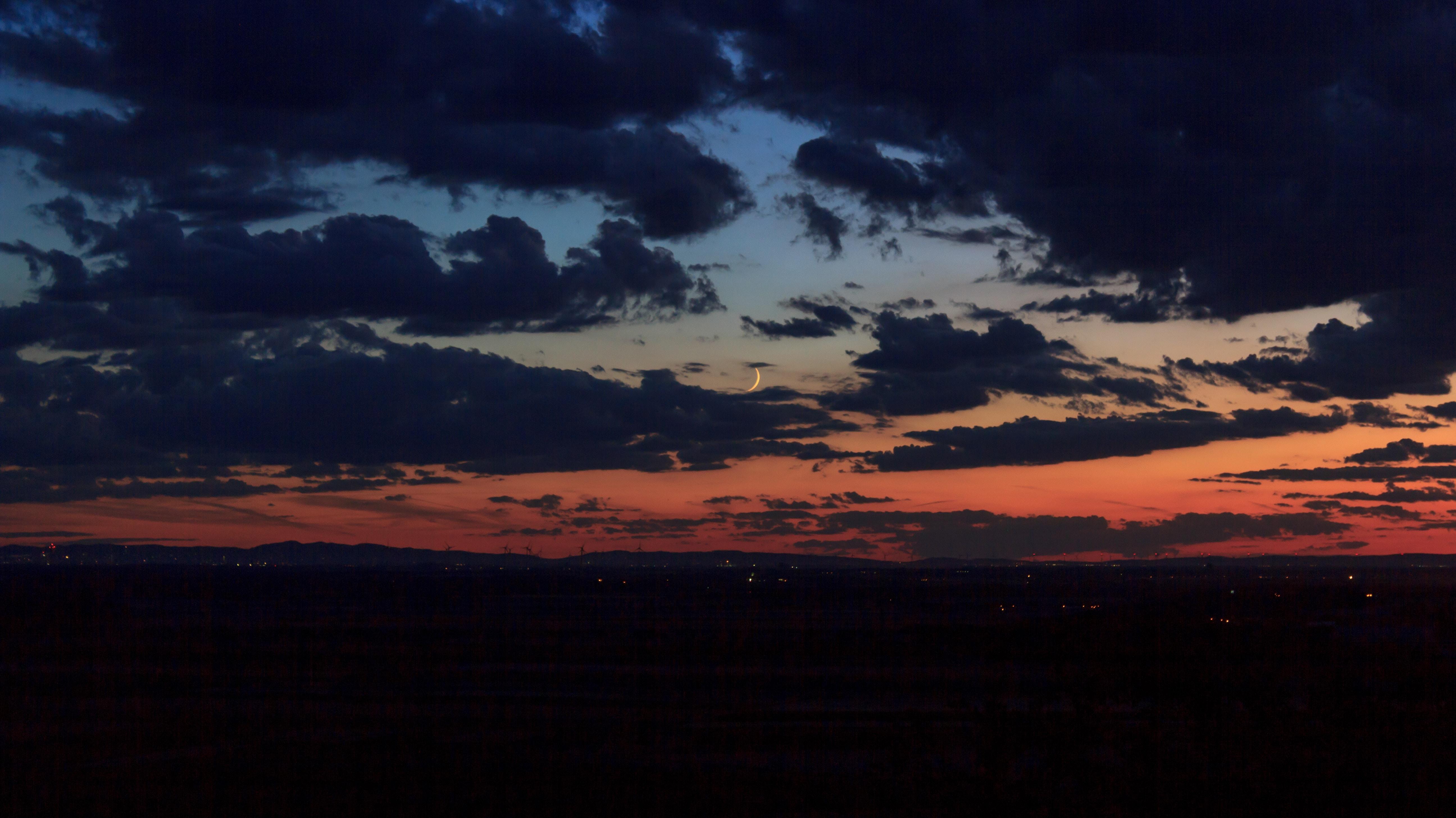 landscape photo of sky at golden hour