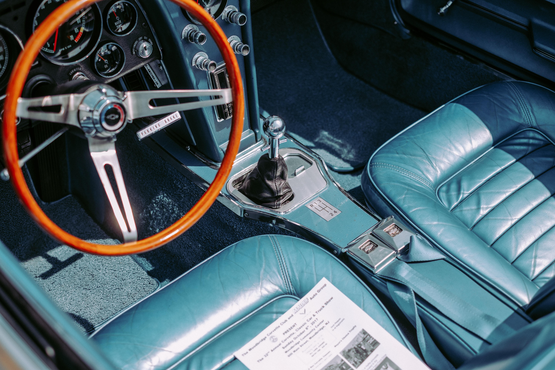 gray and black vehicle interior