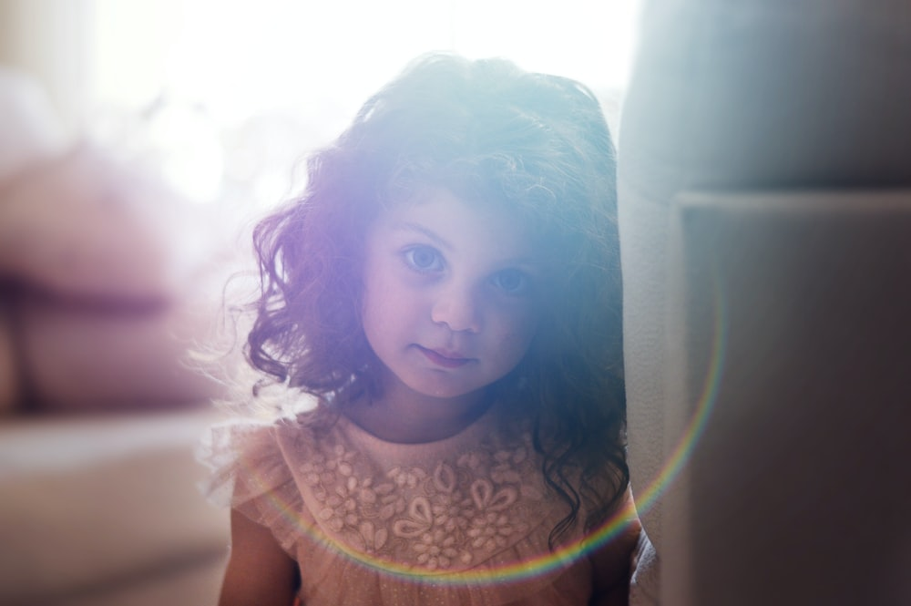 shallow focus photography of girl