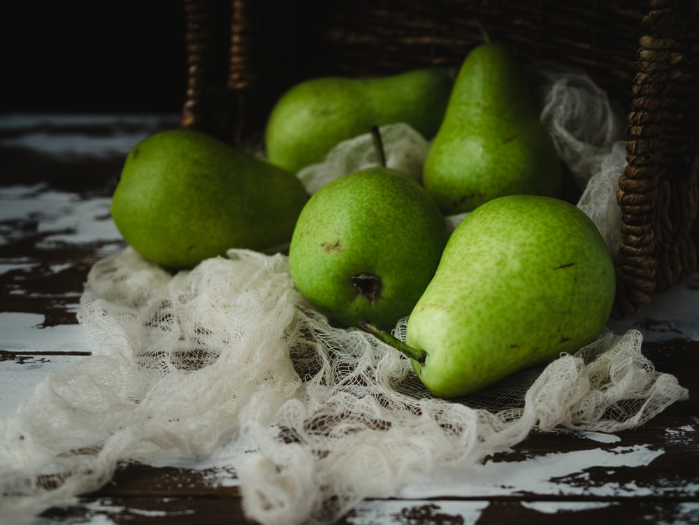 bunch of green pear fruit