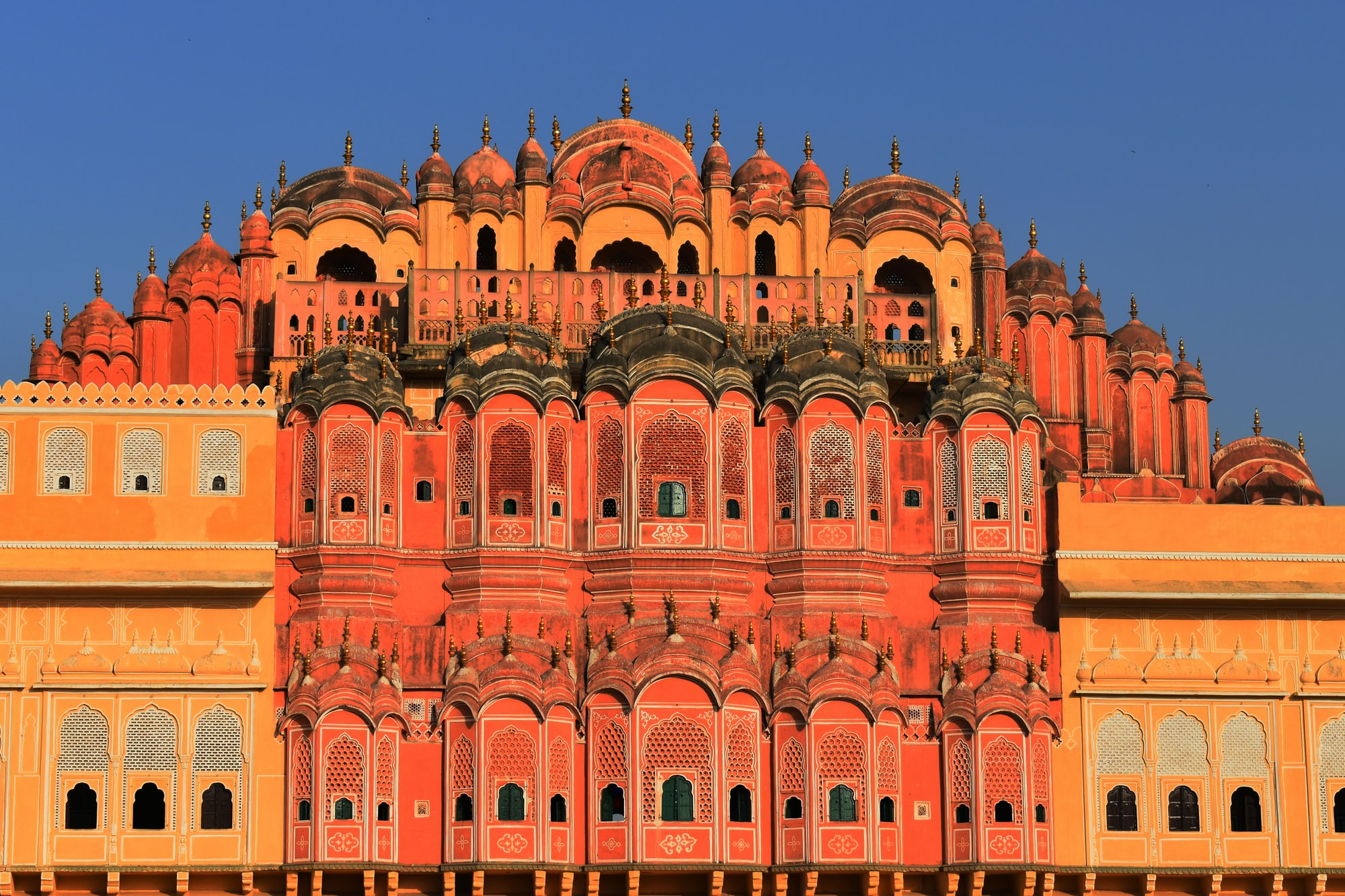 Hawa mahal is situated in Jaipur, Rajasthan that gives us a glimpse of Royal India.