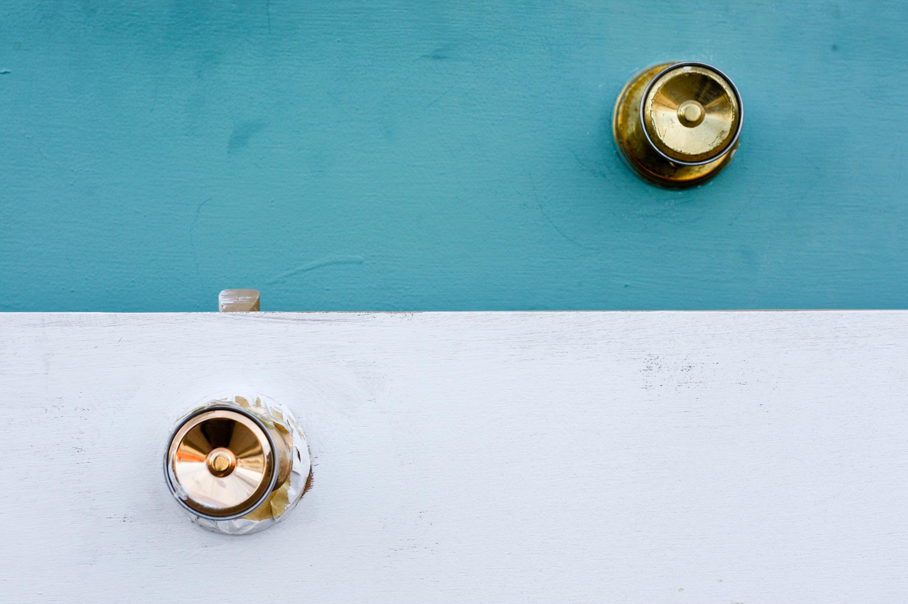 gold door knob