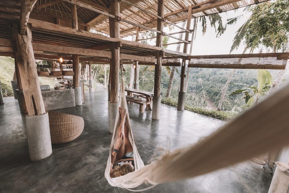 white cloth hammock