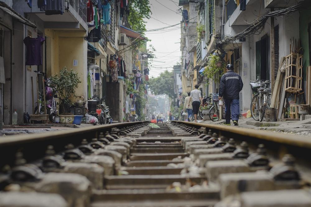 brown metal rail road