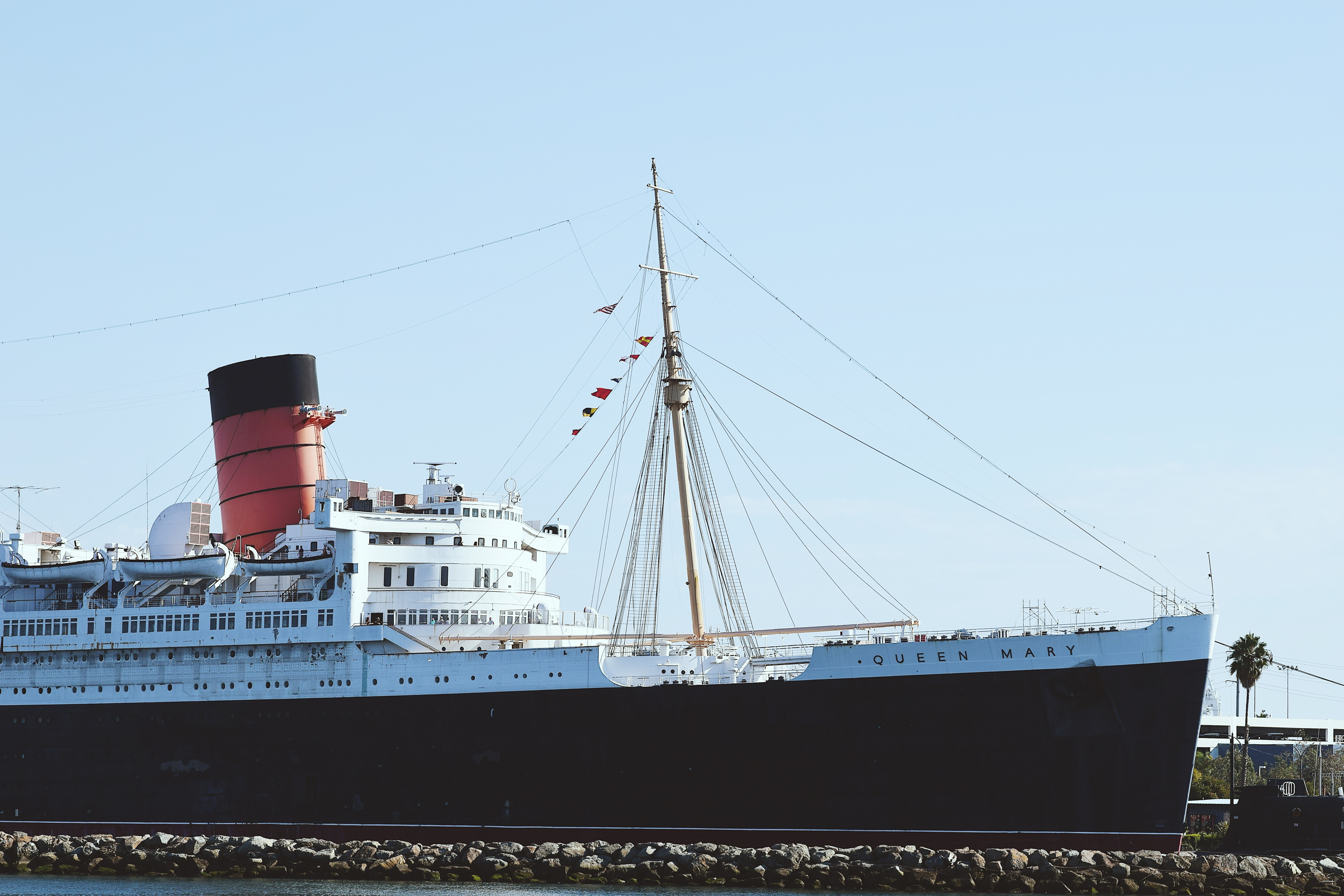 black and white Queen Mary ship