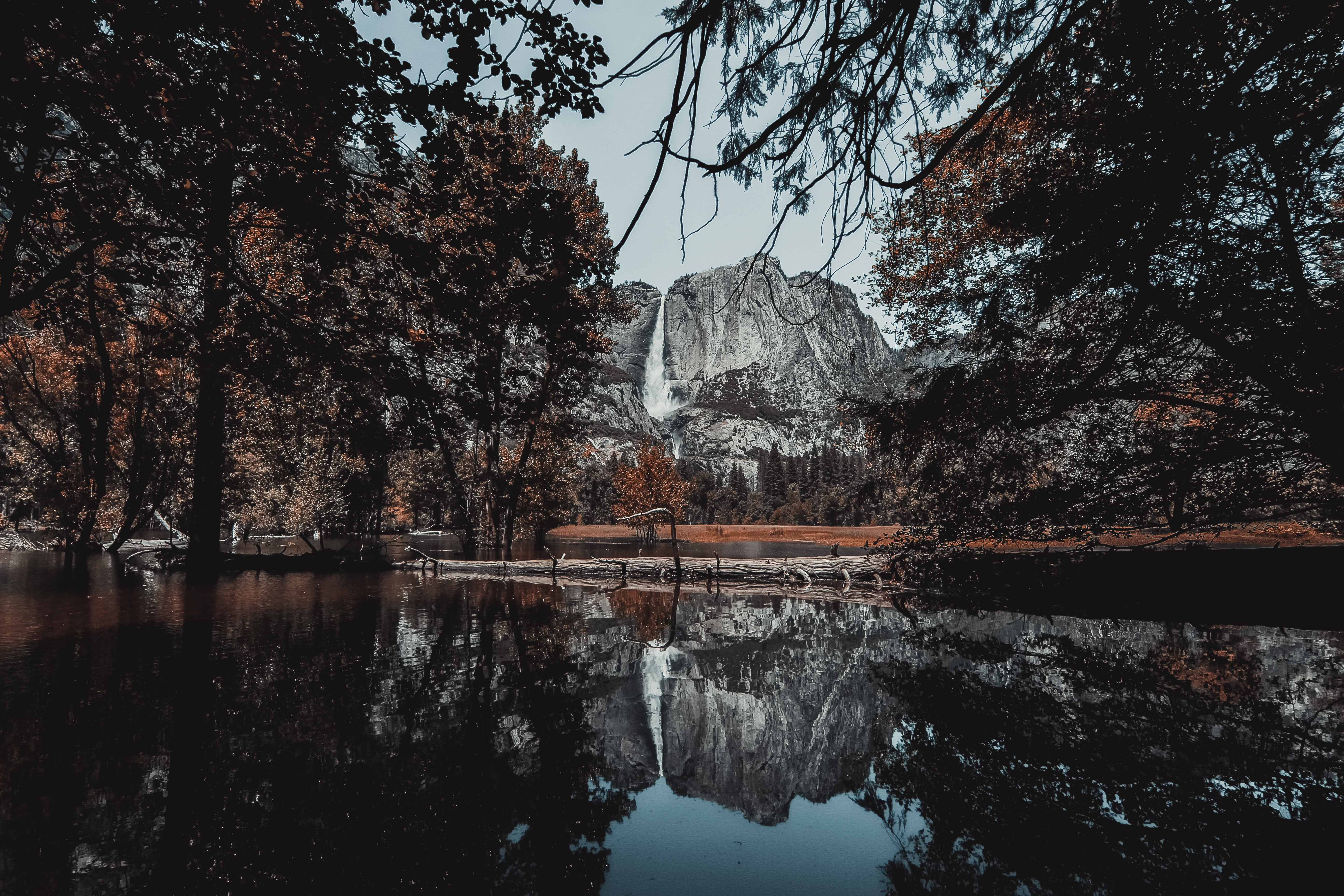 Find These Hd Nature Wallpapers With Beautiful Trees Lakes And Mountains These Stunning Nature Wallpapers And Images Are Free To Download For Your Mac