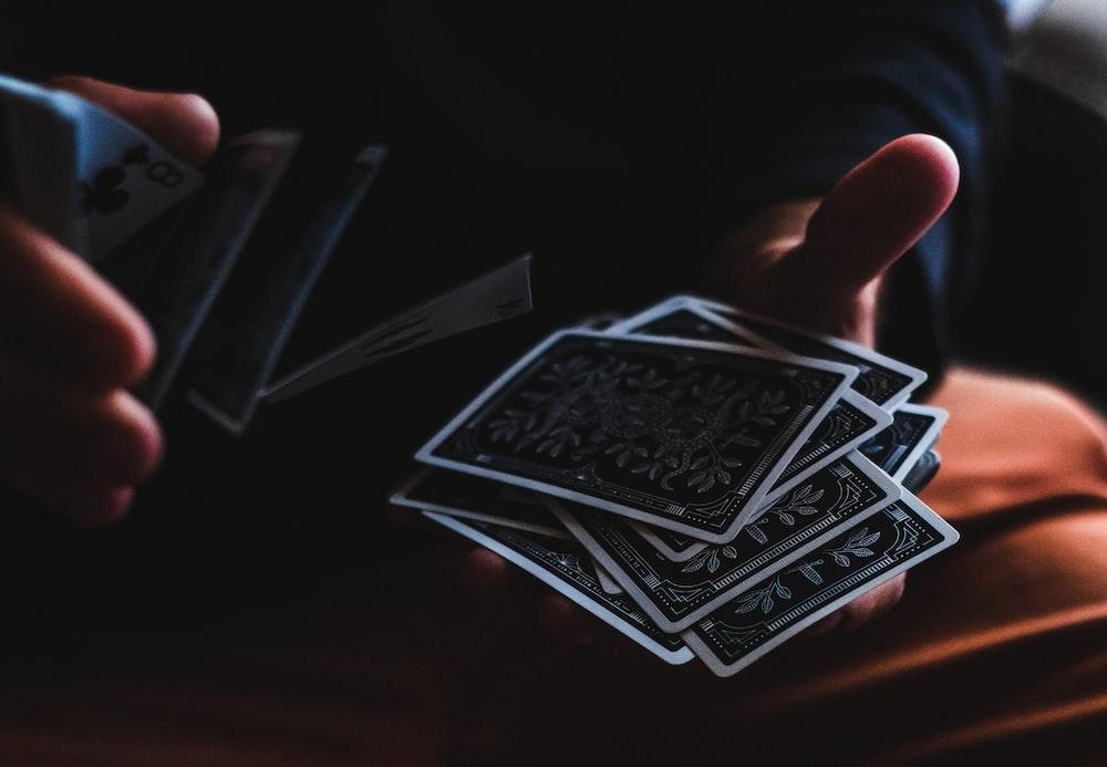Aprender a jugar a las cartas