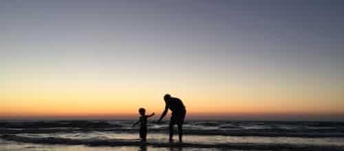איחזו בילדיכם - מדוע הורים צריכים להיות חשובים יותר מחברים / גורדון ניופלד וגאבור מאטה