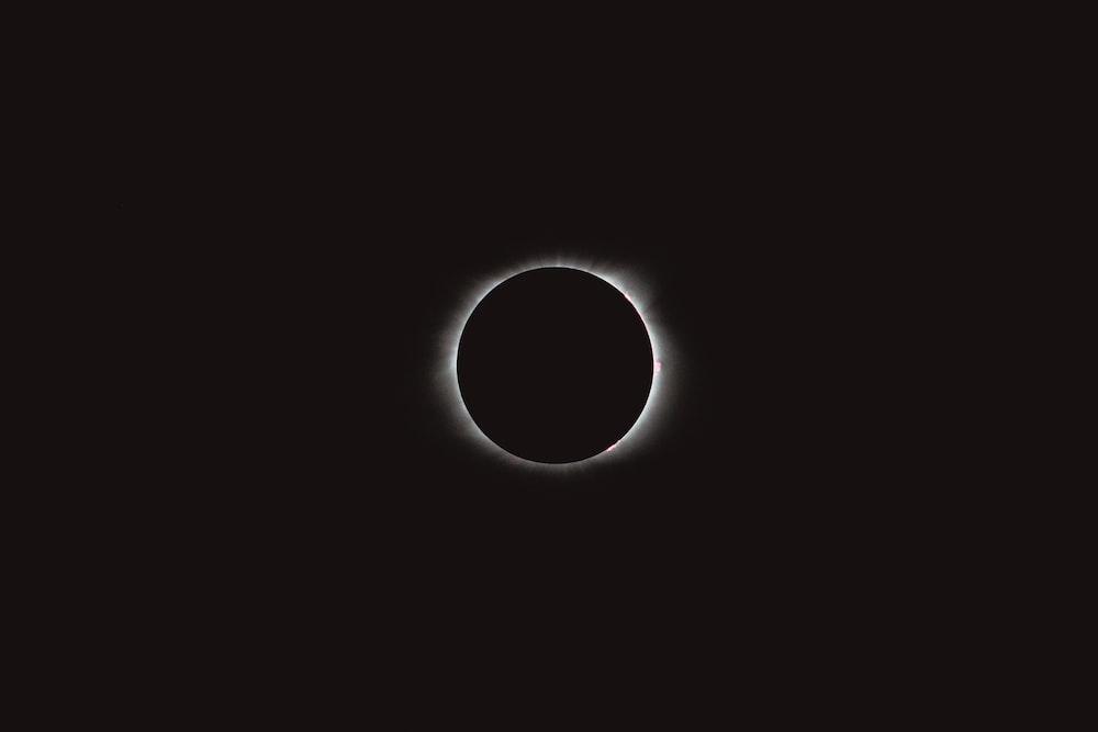 solar eclipse digital wallpaper