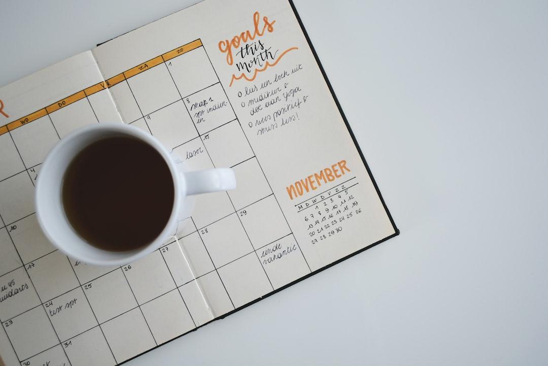 『休日出勤したら代休を取るべきたった1つの理由|代休と振替休日の違いも解説』の画像