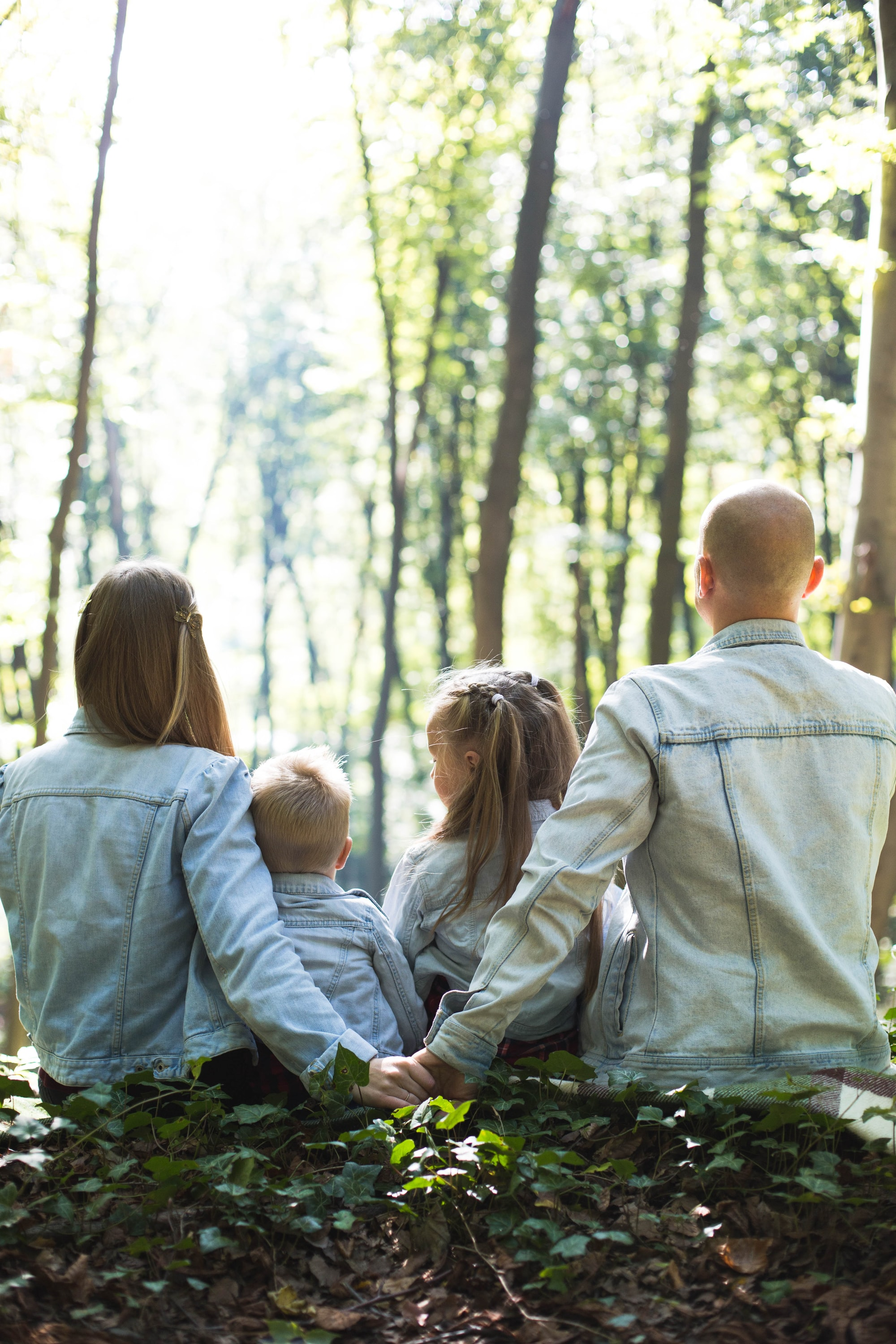 They just wanted to have a cute family photoshoot, so we went to the forest… and, well, they are so cute, that I don't have words to describe it