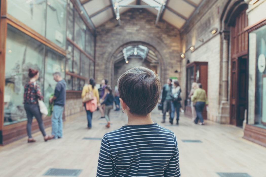 A kid in museum