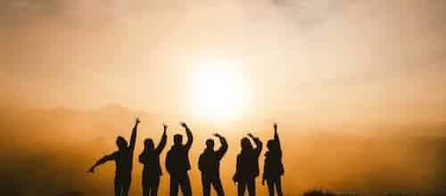 על אנליזה קבוצתית כגשר בין האישי והחברתי