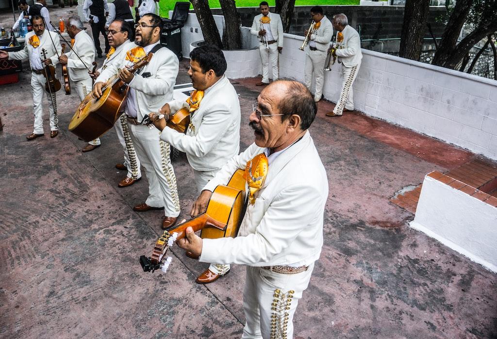 Mexico Branch: Guanajuato + San Miguel De Allende + Guadalajara + Sayulito