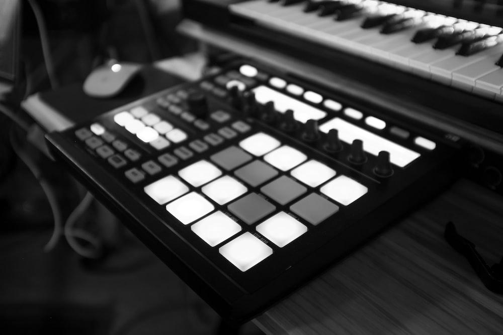 closeup photo of MIDI controller
