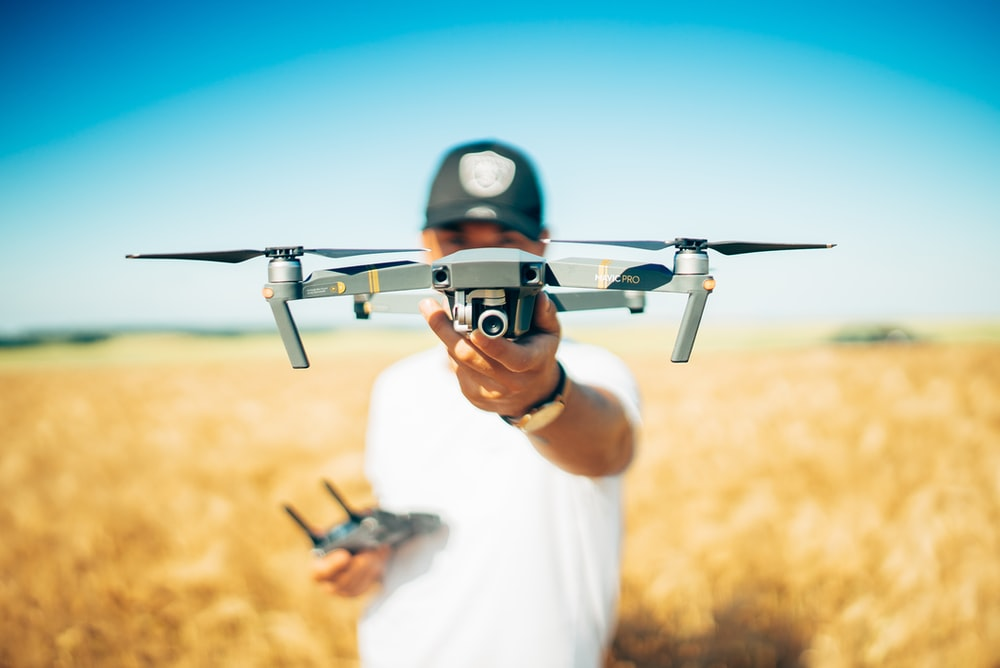 shallow focus photography of quadcopter